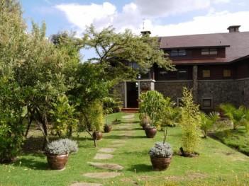 Newly refurbished 3 bedroom villa overlook...