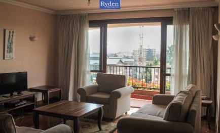 Fully serviced & Luxuriously furnished 3 b...