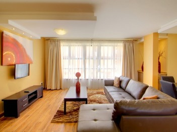 Luxurious furnished and serviced short let...