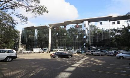 OFFICE UNIT ( 5,000 SQ.FT.)